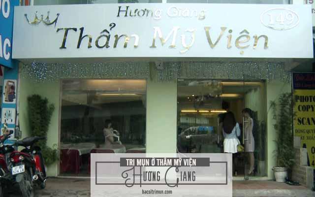 trị mụn ở thẩm mỹ viện Hương Giang có tốt không?