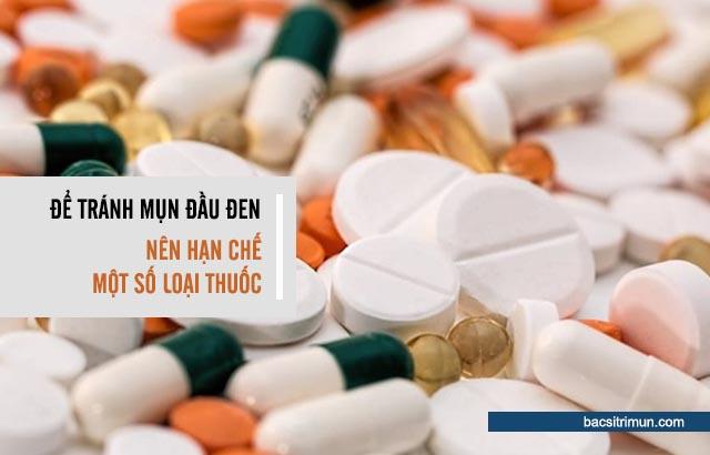 phản ứng phụ của thuốc là nguyên nhân gây mụn đầu đen
