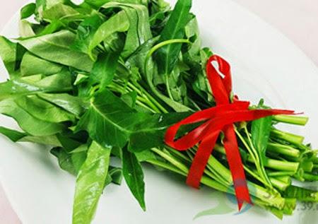 Tại sao ăn rau muống lại bị sẹo lồi lõm