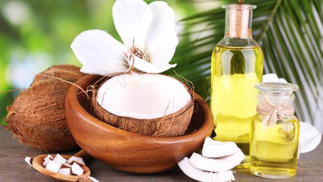 Cách điều trị vết thâm mụn bằng dầu dừa