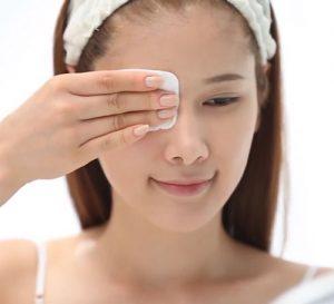 Các bước chăm sóc da mụn vào buổi tối -2