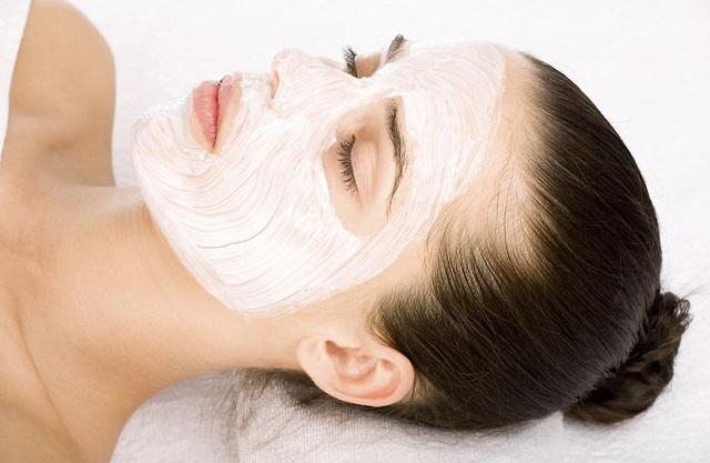 chăm sóc da mặt bằng mặt nạ ngủ