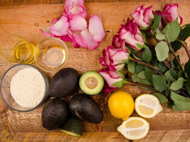 Chăm sóc da mặt hiệu quả bằng chanh, bơ, nước hoa hồng và bột cám gạo