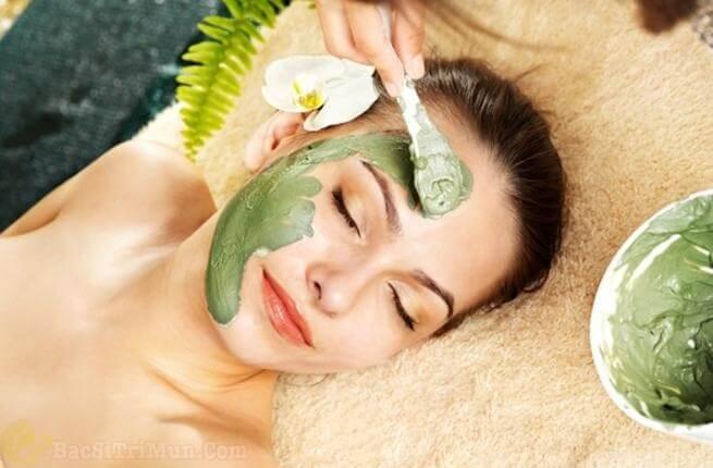 Cách chữa mụn cám ở cằm má và trán bằng mặt nạ trà xanh