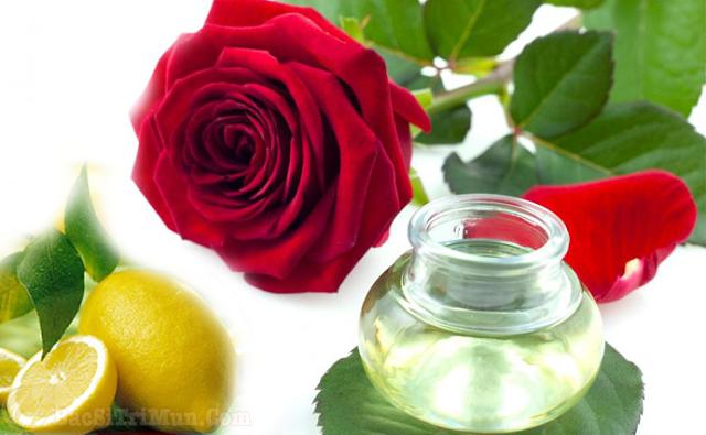 Nước hoa hồng và chanh điều trị mụn mủ