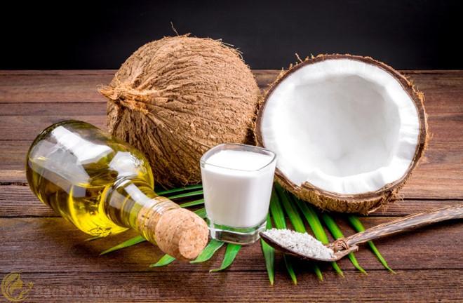 trị mụn ẩn dưới da bằng dầu dừa cực tốt