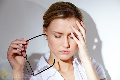 Căng thẳng thần kinh gây mụn đầu trắng
