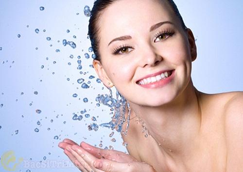 Làm sạch da, tẩy tế bào chết cho da - Bước chăm sóc da mặt đúng cách
