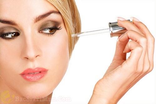 Sử dụng serum dưỡng da để cân bằng độ ẩm - Bước chăm sóc da mặt đúng cách