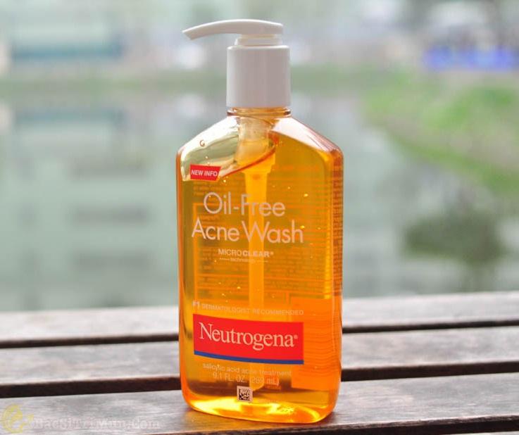 Sữa rửa mặt trị mụn Neutrogena Oil-free Acne Wash có tốt không?