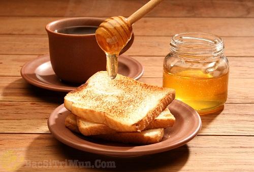 Sử dụng mật ong chữa sẹo thâm hiệu quả