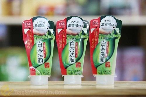 Sữa rửa mặt trị mụn Rohto của Nhật