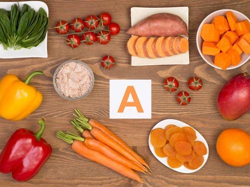 Vitamin A có nhiều tác dụng trong việc điều trị mụn
