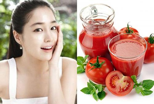 Uống nước cà chua mỗi ngày giúp điều trị mụn hiệu quả