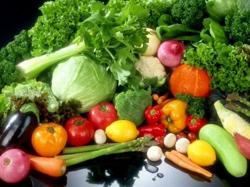 Ăn nhiều rau xanh cải thiện mụn ẩn hiệu quả