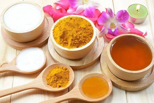 Nghệ, sữa chua, mật ong trị hết thâm mụn hiệu quả trong 1 tuần.