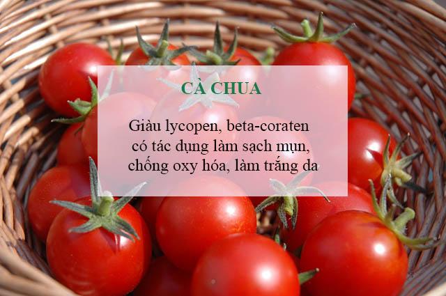 chữa mụn cám trên trán bằng cà chua