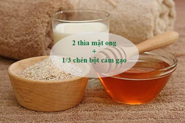 Công thức trị mụn đầu đen trên trán bằng mật ong và bột cám gạo