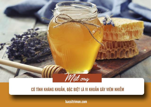 trị mụn đầu đen và lỗ chân lông to bằng mật ong
