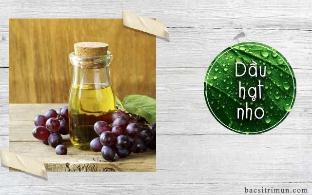 cách trị mụn tại nhà bằng dầu hạt nho