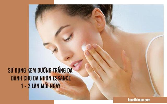 cách sử dụng kem dưỡng trắng da dành cho da nhờn Essance