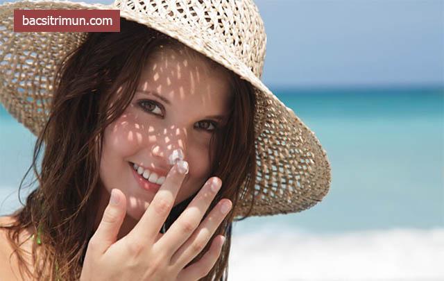 Cách chăm sóc da khi bị dị ứng mỹ phẩm nổi mụn